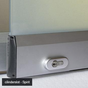 Dun cilinderslot in glaswand Spirit