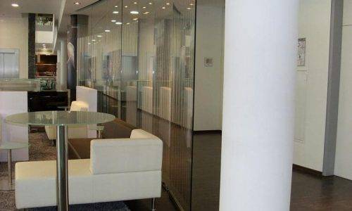 Glass partition Spirit in an open atmosphere