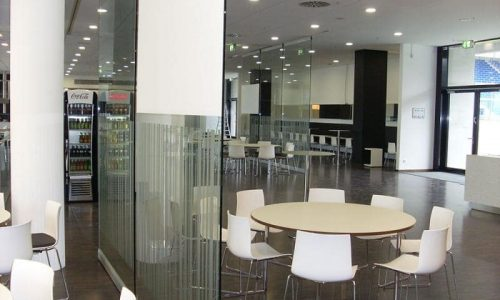 Glass partition Spirit used for an open atmosphere