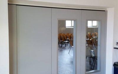 Glass wall for light retention