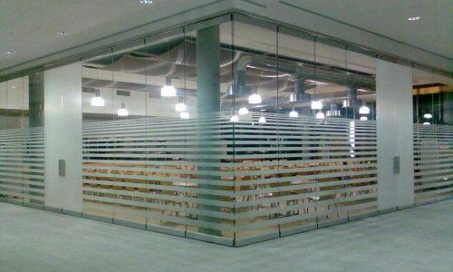 Conferentiezaal omringd door glaswand Spirit