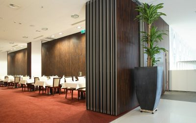 Inspiration for projects of operable partitions in restaurants