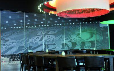 Mobiele scheidingswand Space in een sportkantine