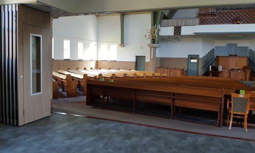 Mobiele scheidingswand Space in een kerk