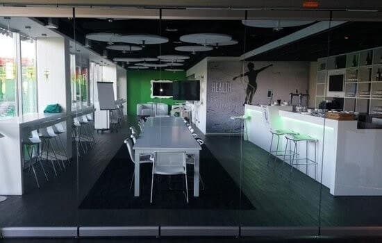 Glass partitions create an open atmosphere