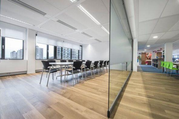 Offerte - Mobiele glaswand in kantoor